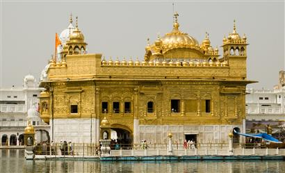 Cabs from Vadodara to Amritsar